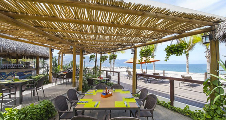 front slide RESTAURANT BEACH 2